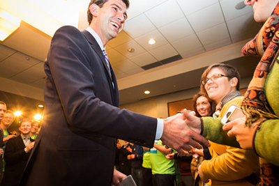 2554-Don Iveson_Get Out The Vote Rally_16oct2013